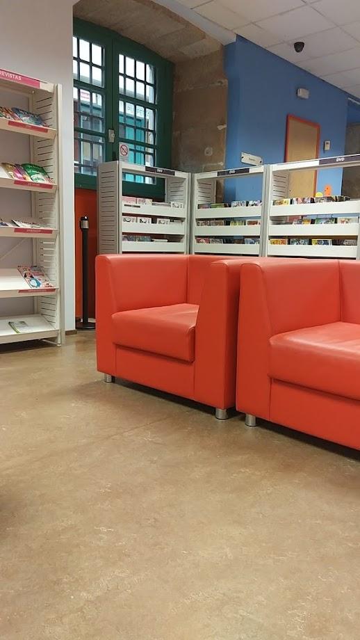Foto Biblioteca Pública de Vigo Juan Compañel 7