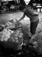 Photo: Street FoodVendor - Hà Nội,Việt Nam +Tarik Abdel-Monem+Street Food Sunday #streetfoodsunday
