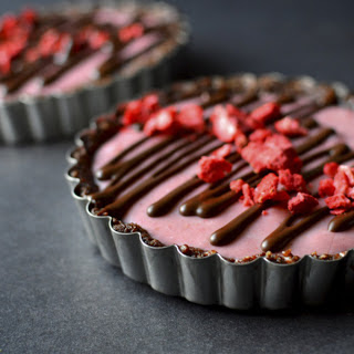 Paleo Strawberry Creme Tartlets [Vegan, Gluten-Free]