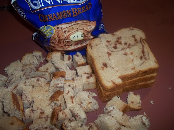 Cut the bread into cubes; set aside.