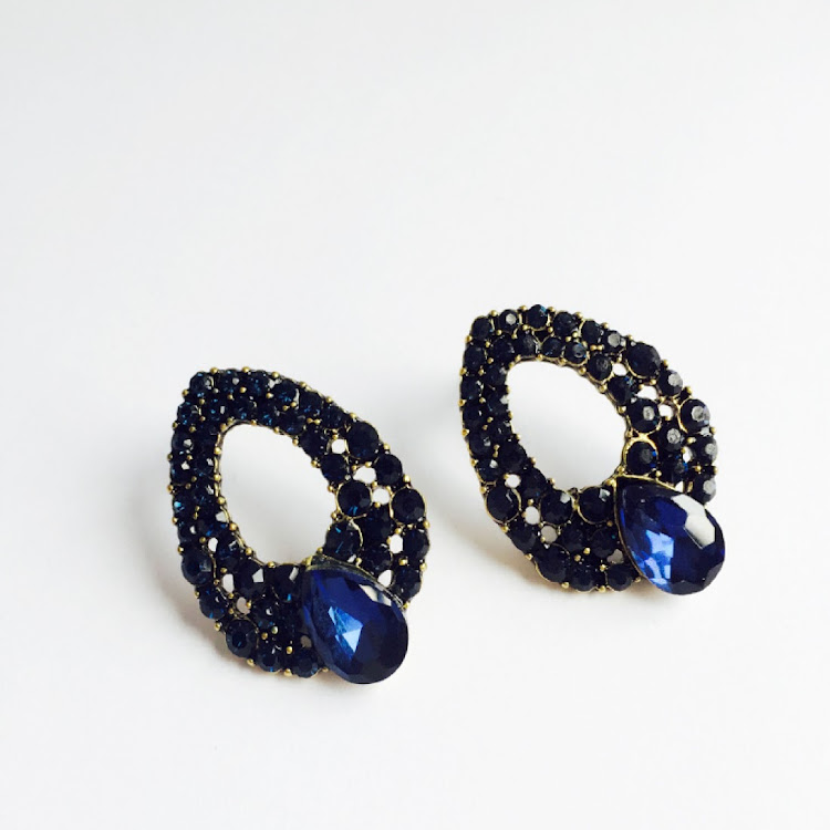 E016 - B. Lady of Rhythmic Midnight Blue Earrings
