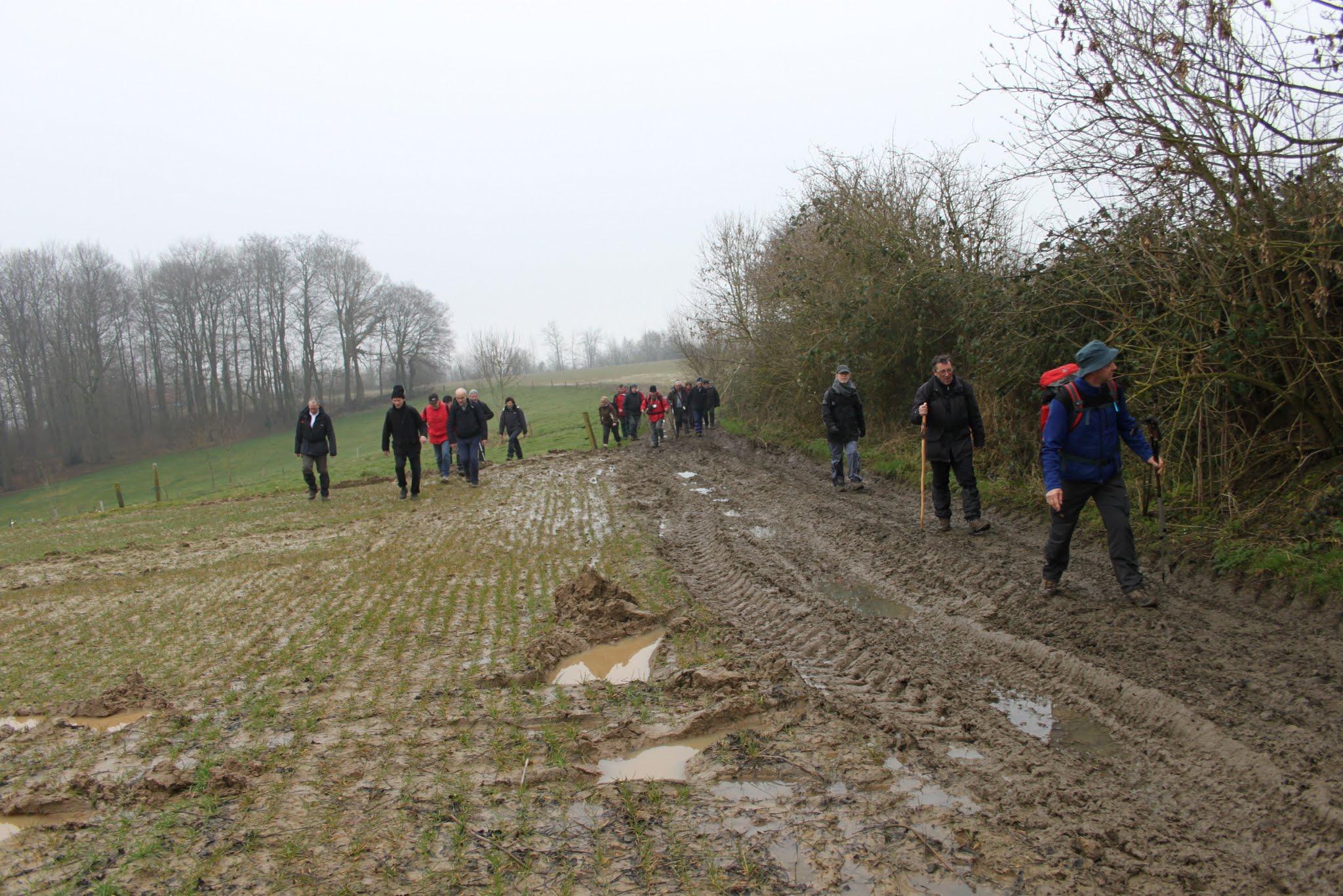 Photo: Van een beetje modder laten wij ons niet afschrikken...