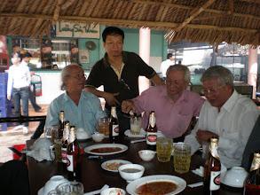 Photo: Thầy Trần Nhật Tân, Nhân, Hoàng, thầy Lê Thành