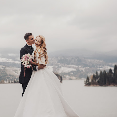 Fotograful de nuntă Criss and sally Weddings (crissandsally). Fotografie la: 16.02.2018
