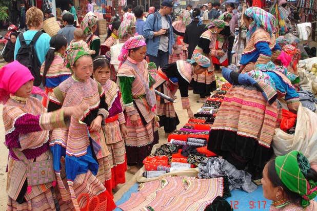 Le marché ethnique de Coc Ly