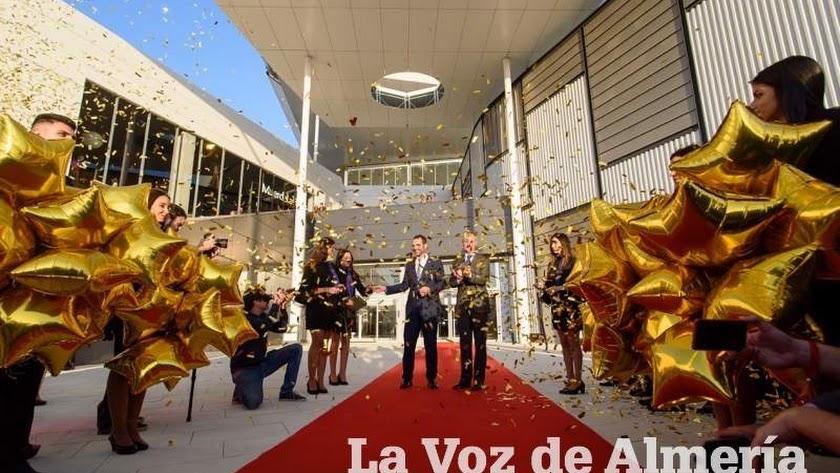 Imagen de la inauguración del Centro Comercial de Torrecárdenas.