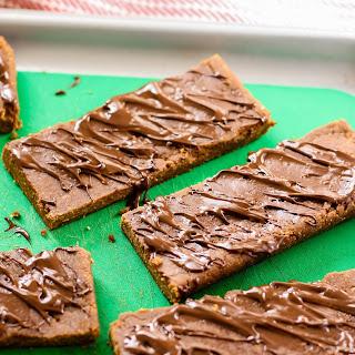 No-Bake Gingerbread Protein Bars [vegan, gluten-free]