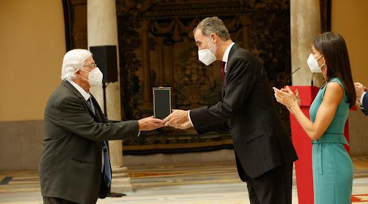 Pérez Siquier y El Taranto reciben por fin su Medalla de Oro en las Bellas Artes