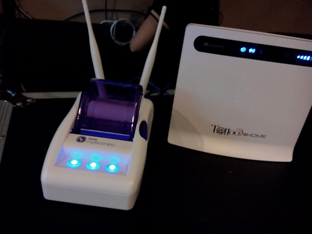 GLOBE MYBUSINESS WIFI HUB.
