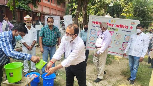 जिलाधिकारी ने ग्लोबल हैण्ड वाशिंग डे के अवसर पर हाथ धुल कर स्वच्छता अपनाने का दिया सन्देश