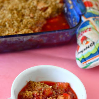 Rhubarb Strawberry Apple Crumble