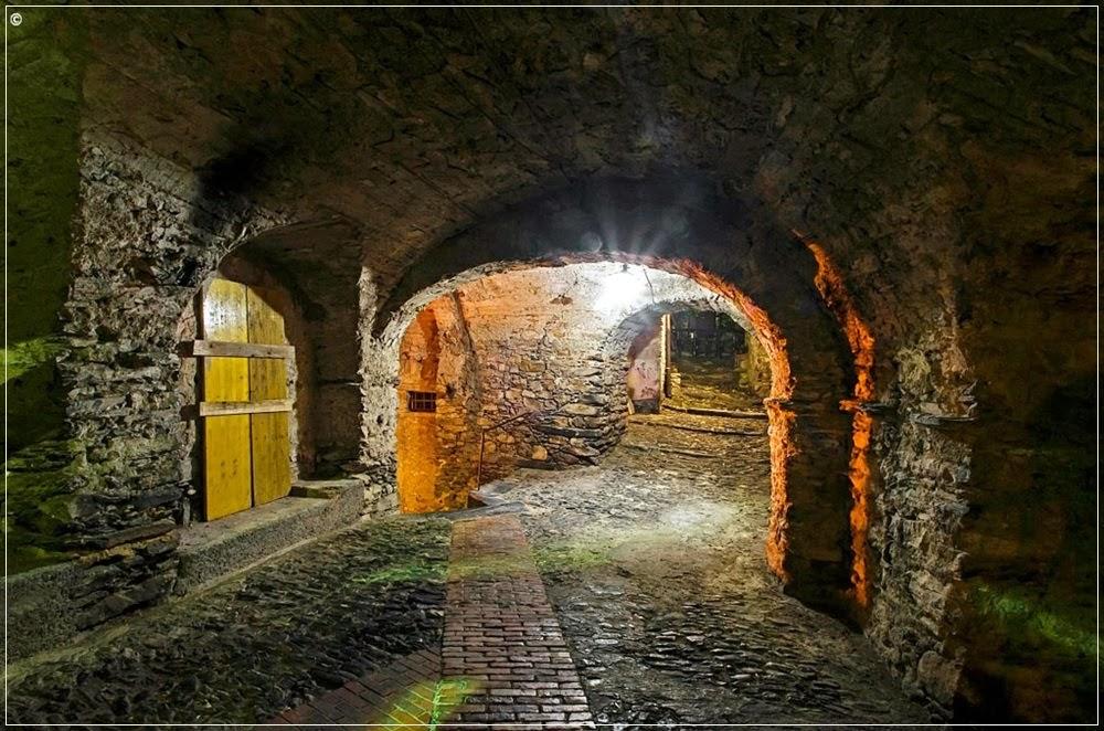 Becos e túneis em Triora