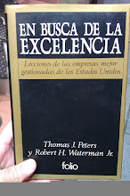 """Photo: Costó encontrarlo...""""En busca de la excelencia"""", Edic. 1989, Tom Peters. Mi tesoooro"""