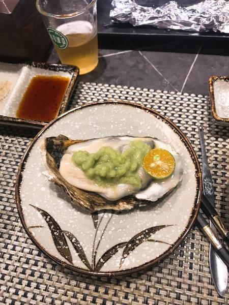 原月日式頂級帝王蟹燒烤吃到飽| 板橋食記 限量肥美生蠔 啤酒喝到飽!東石鮮蚵