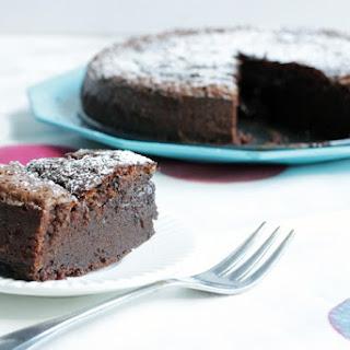 2-Ingredient Nutella Cake.