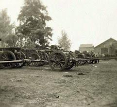 Photo: 1914 - 1918 Militair wapentuig aan de Centrale Werkplaats van BBA te Princenhage