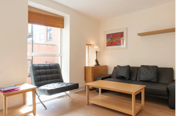 Bright and sunny 1 bedroom in Smithfield
