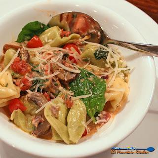 Tortellini With Spinach Tomato Cream Sauce