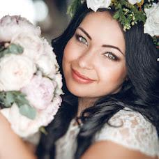 Wedding photographer Viktoriya Dovbush (VICHKA). Photo of 02.04.2014