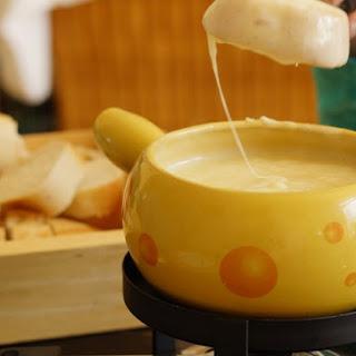Chef Lauren's Cheese Fondue
