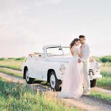Wedding photographer Yuliya Danilova (July-D). Photo of 04.12.2018