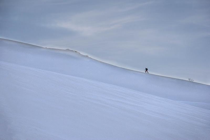 Una cima raggiunta è il bordo di confine tra il finito e l'immenso. (Erri De Luca) di Viola1