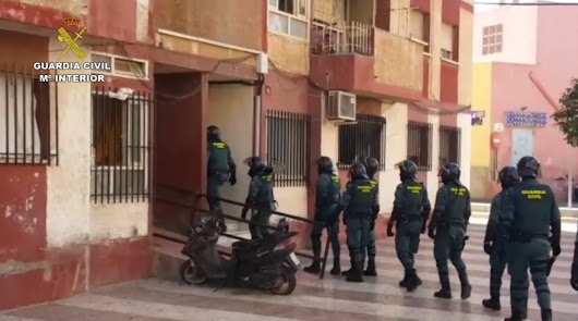 Registros de la Guardia Civil en la Operación Teflón. Foto de la Guardia Civil.