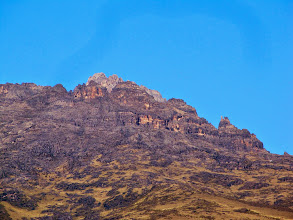 Photo: Two peaks at back are Nelion and Batian - 20x telephoto