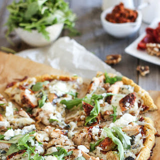Cauliflower Crust Grilled Chicken and 3 Cheeses Pizza