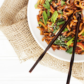 Spicy Udon Noodle and Vegetable Stir Fry