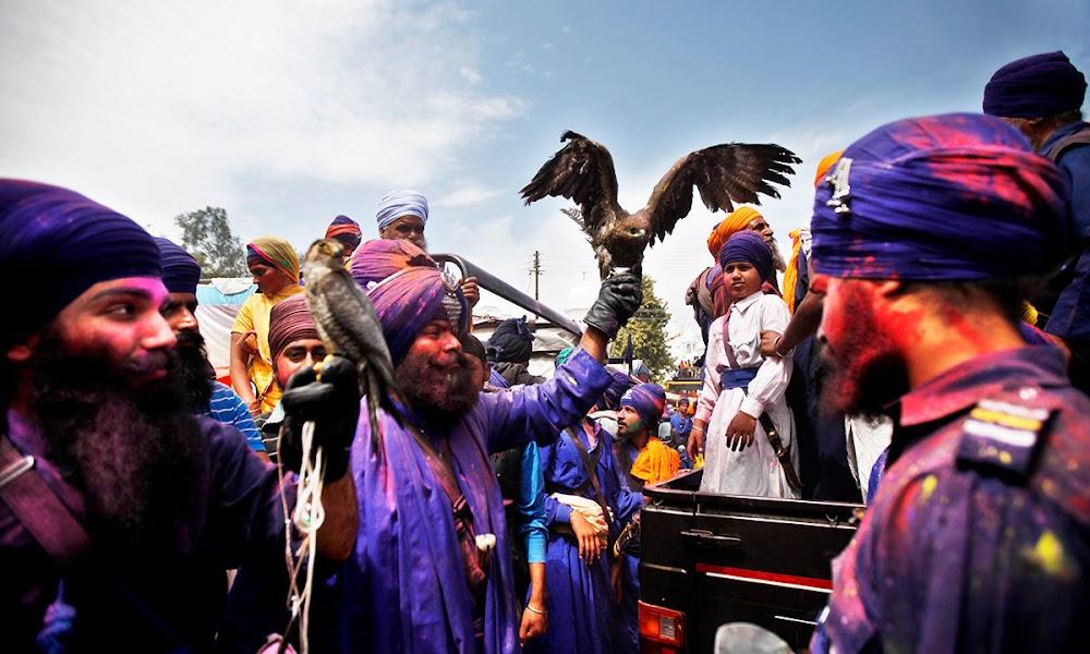 best-holi-celebrations-india_anandpur_sahib