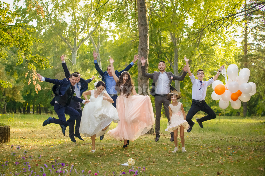In the air by Vasiliu Leonard - Wedding Groups ( fotograf nunta, fotograf nunta iasi, wedding, fotograf iasi, bride, groom, vasiliu leonard )