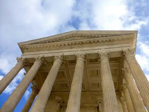 Photo: C'est le temple romain le mieux conservé au monde.
