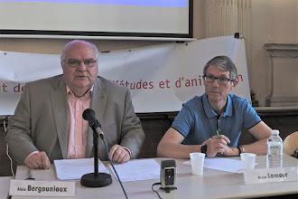 Photo: Conférence « Histoire de la laïcité » par : Alain Bergounioux, Inspecteur général honoraire de l'Education nationale, membre de l'observatoire de la laïcité (débat animé par Bruno Lamour, secrétaire général de la Fep-CFDT)