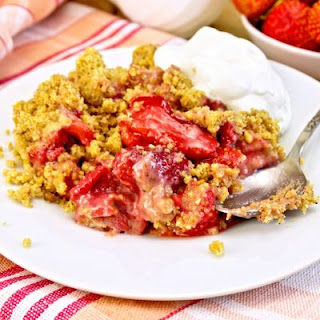 Fresh And Sugary Strawberry Rhubarb Cobbler