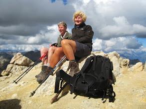 Photo: twee meisjes op de top