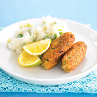 Fish Sticks with Mashed Potatoes and Peas.