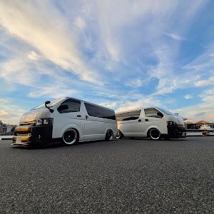 ハイエースバン TRH200V SUPER GL 2018年式のカスタム事例画像 keiji@黒バンパー愛好会さんの2020年08月08日08:16の投稿
