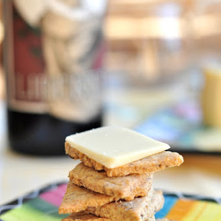 Bob's Red Mill rye crackers
