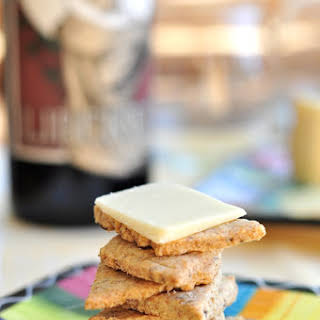 Bob's Red Mill rye crackers.