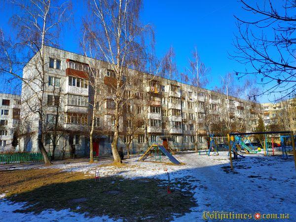 Вул. Гулака-Артемовського, 5. Фото: І.Сметанін