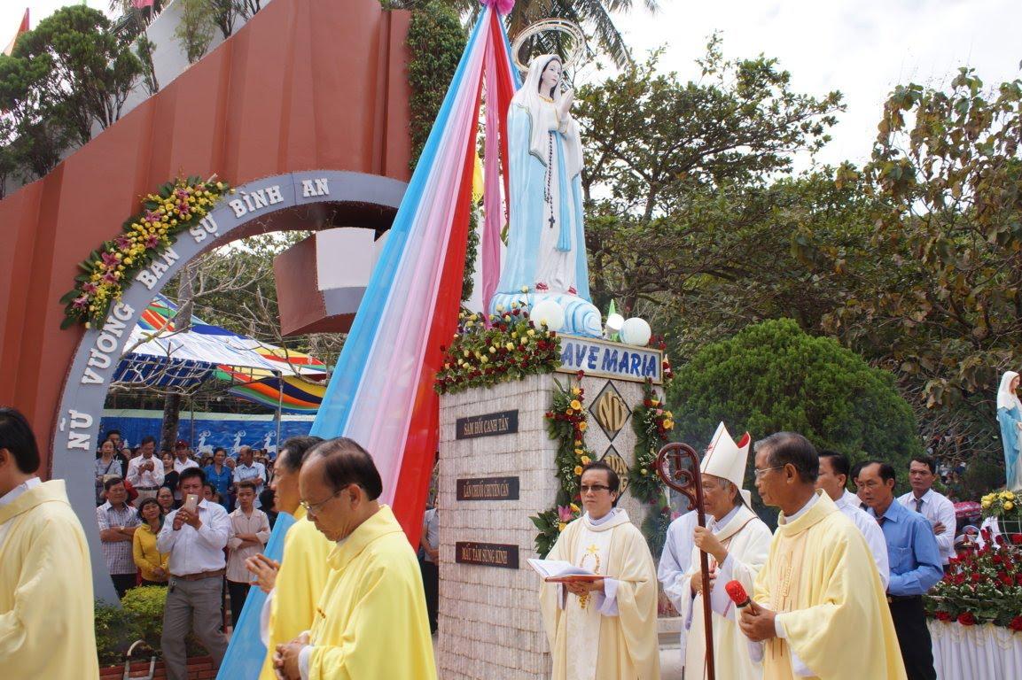 Ngày Hành Hương Mừng Bổn Mạng Giáo Phận Long Xuyên, tại GX Hòn Chông - Ảnh minh hoạ 2
