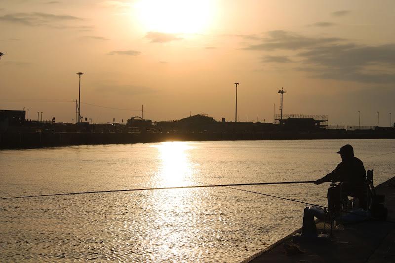 Pescatore al tramonto di michy92