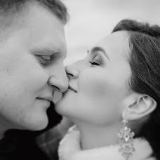 Wedding photographer Dmitriy Sapozhnikov (Sapojnikov). Photo of 15.02.2016