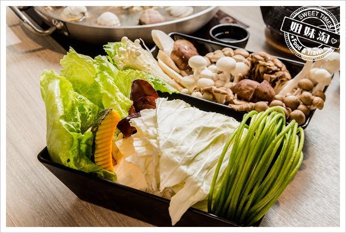 愛食鍋麻辣鴛鴦菜盤