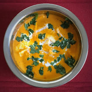 Paneer Makhani (Cottage Cheese simmered in rich creamy tomato Gravy).