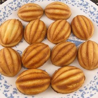 Coconut Bahulu