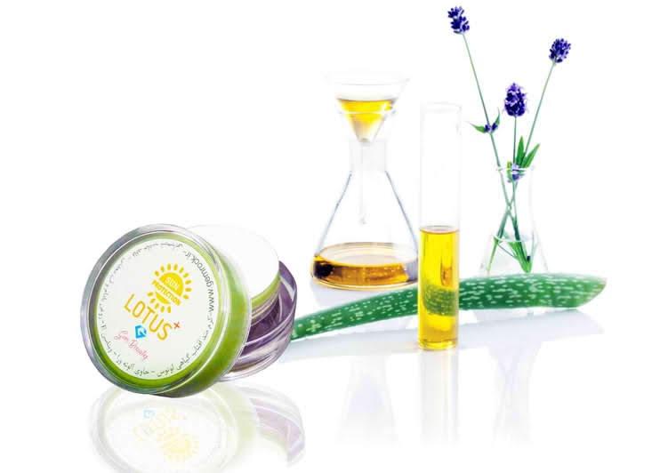 کرم ضد آفتاب ارگانیک و گیاهی لوتوس SPF50