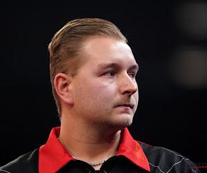 Dimitri Van den Bergh haalt halve finales op Dartstoernooi in Duitsland, overwinning voor Portugese sterspeler