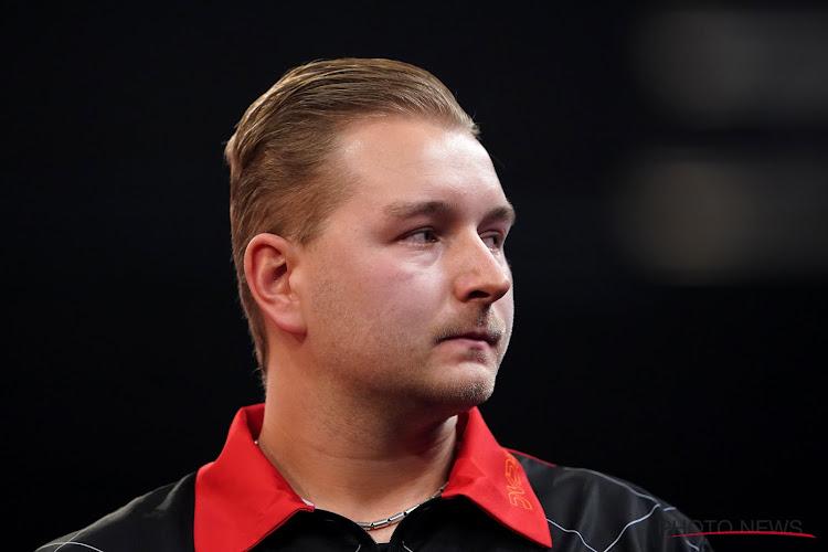 Opnieuw Darts op het programma! leider Dimitri Van den Bergh neemt het deze avond op tegen nummer vijf van de wereld